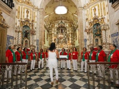 Corais marcam programação gratuita de Natal no Museu da Misericórdia