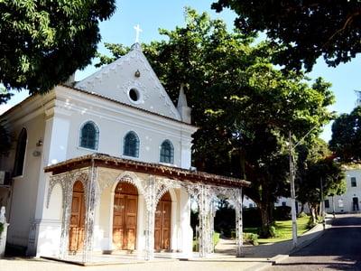 Santa Casa da Bahia arrecada doações para Bairro da Paz em drive thru