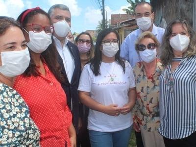 Vice-prefeita visita projeto social da Santa Casa da Bahia no Bairro da Paz